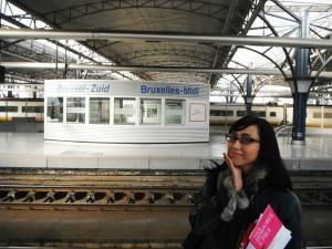 sampaaiiii,, sebentar lagi kita mau naik Thalys!! Yeaaayy!!