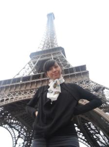 foto cantik dulu didepan Eiffel Tower :P