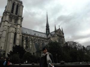 cindera mata terakhir dari Notre Dame