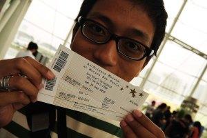 yeaaayyyy!! tiket sudah ditangaaaaann!!