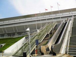 di sisi sebelah sini juga dilengkapi dengan outdoor eskalator