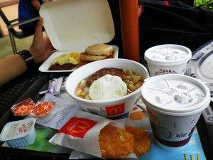 nyumm memang fast food itu enak :9