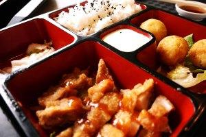 Suami: Takoyaki + Chiken teriyaki S$ 5,50