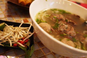Beef Soup with brisket and meatball (enak deh ini kuahnya, seger kayak kuah bakso di Indo, cuma meatball nya aja yang biasa aja. Tapi overall memuaskan)