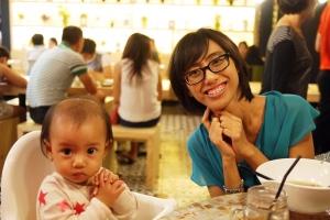 Makanan enak, mommy kenyang - hati senang, anak pun riang